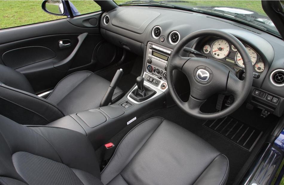 2003 Mazda MX5 Interior