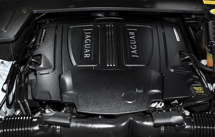 2010 Jaguar XJ Engine