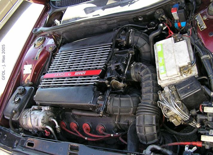 Lancia Thema 8.32 Engine