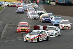 Matt Neal leads the BTCC field en route to his 2nd win at Croft