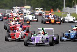 Protyre Formula Renault BARC action