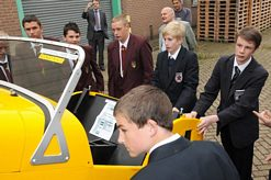 Sittingbourne Invicta Rotary Club sponsors students to build a Caterham Seven