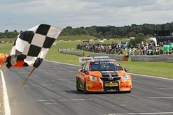 Toyota man Frank flies to BTCC independent class win