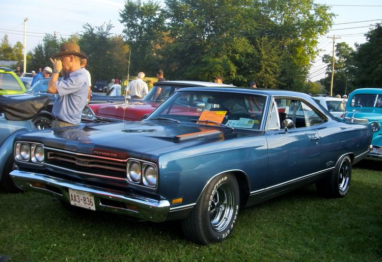 plymouth gtx 1967 1971. Black Bedroom Furniture Sets. Home Design Ideas