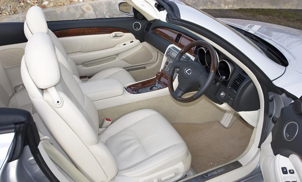 http://www.performance-car-guide.co.uk/images/L-2006-Lexus-SC430-Interior.jpg