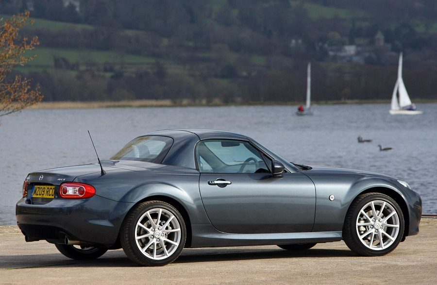 http://www.performance-car-guide.co.uk/images/L-2009-Mazda-MX5-Roadster-Coupe.jpg