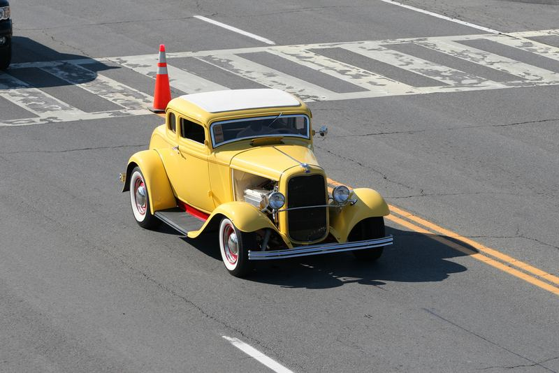 1932 Ford 5 Window Coupe.yellow