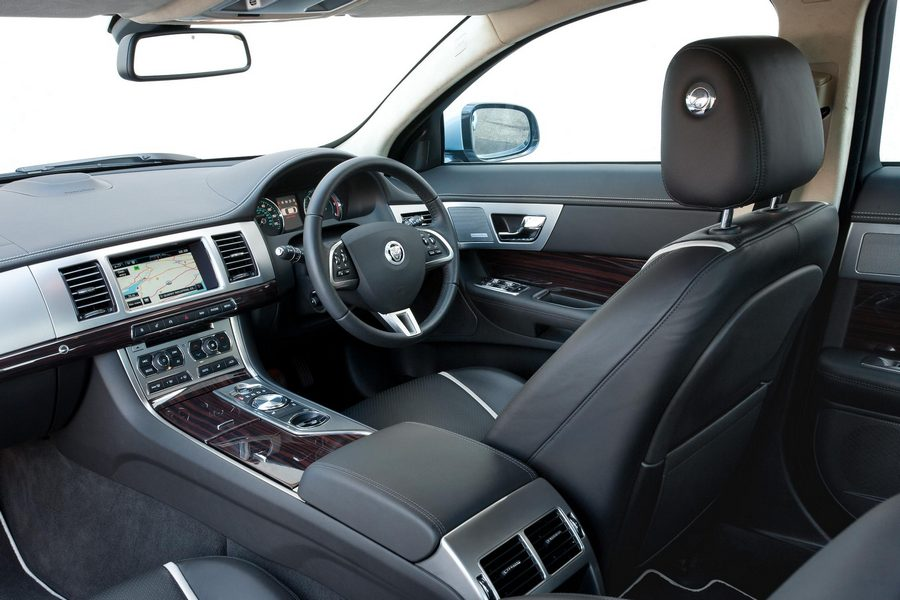 L Jaguar Xf Interior