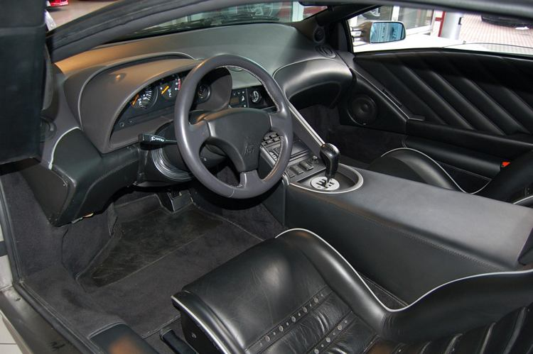L Lamborghini Diablo Interior