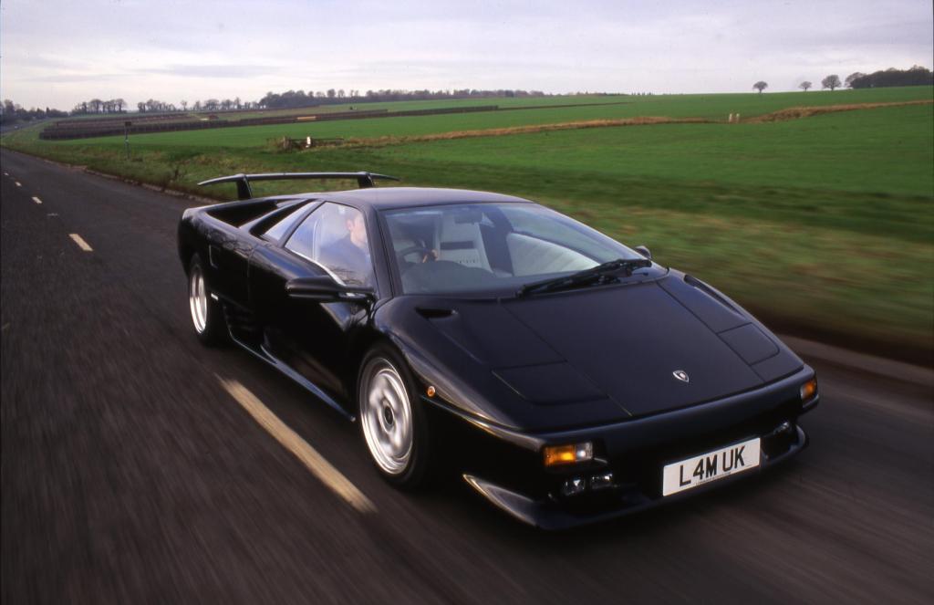 http://www.performance-car-guide.co.uk/images/L-Lamborghini-Diablo-VT-Black.jpg