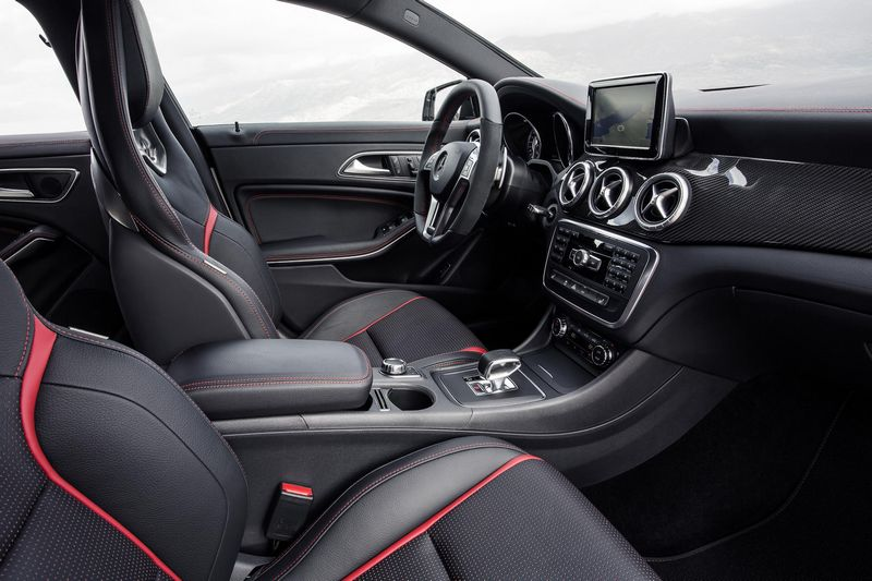 Mercedes CLA 45 AMG 2013 on