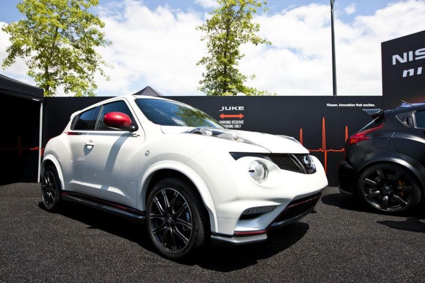 nissan juke r nismo 2012 on. Black Bedroom Furniture Sets. Home Design Ideas