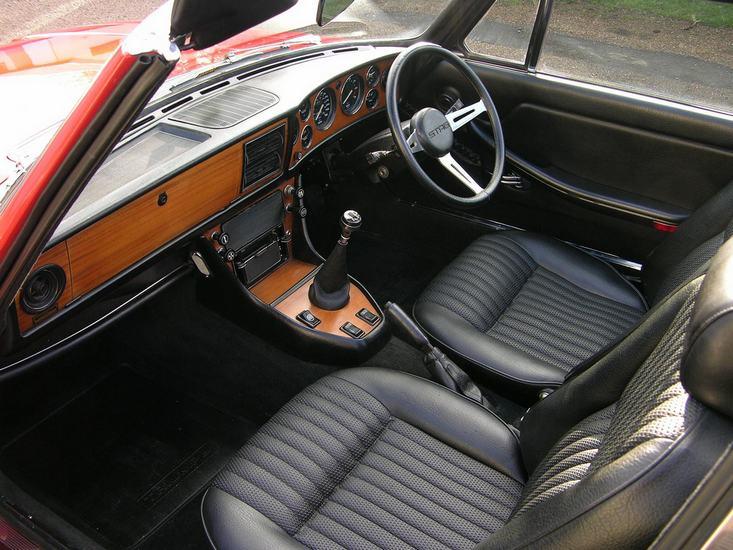 L Triumph Stag Interior