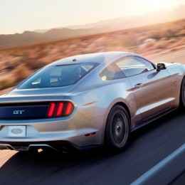 2015 Ford Mustang GT Rear Side