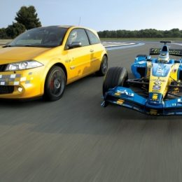 2006 Renault Megane Renault Sport 230 F1 Team R26