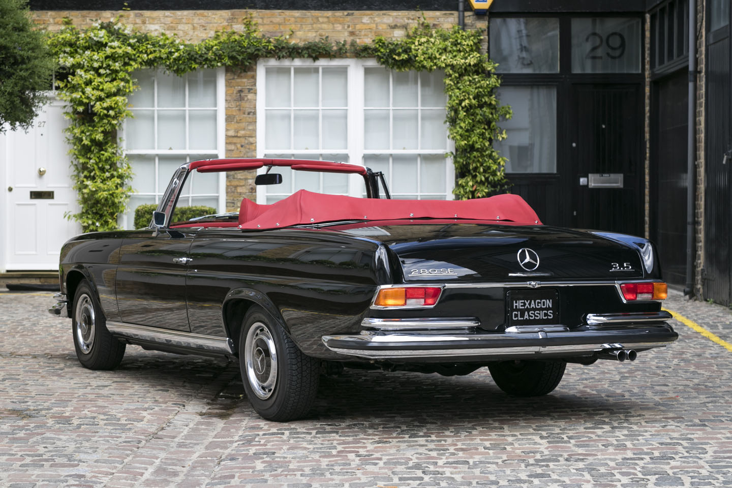 Extremely Rare Right Hand Drive 1970 Mercedes Benz 280 Cabriolet Goes On Sale At Hexagon