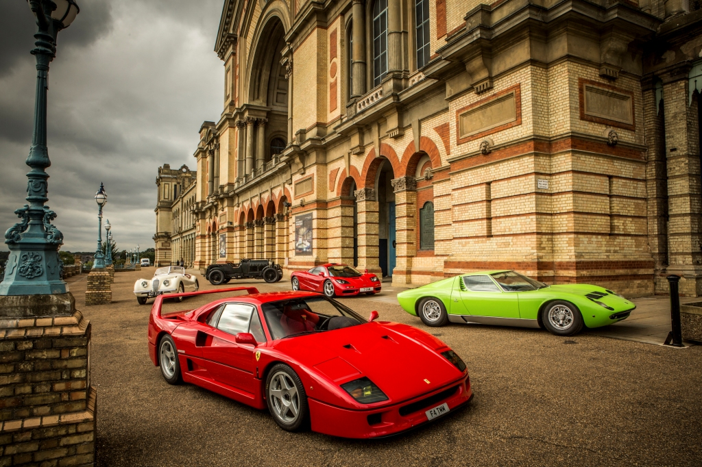 Alexandra Palace Gets Set For Supercars At The Classic & Sports Car Show 2016