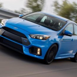 2.3-Liter EcoBoost Powering Ford Focus RS Wins 2017 Ward's 10 Best Engines Award