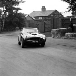 Aston Martin Works To Create The DB4 G.T. Continuation