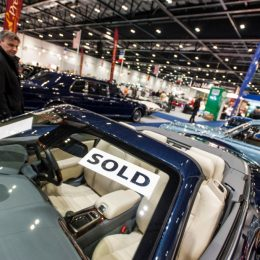 Exhibitors Race To Take Space At Expanded London Classic Car Show 2017