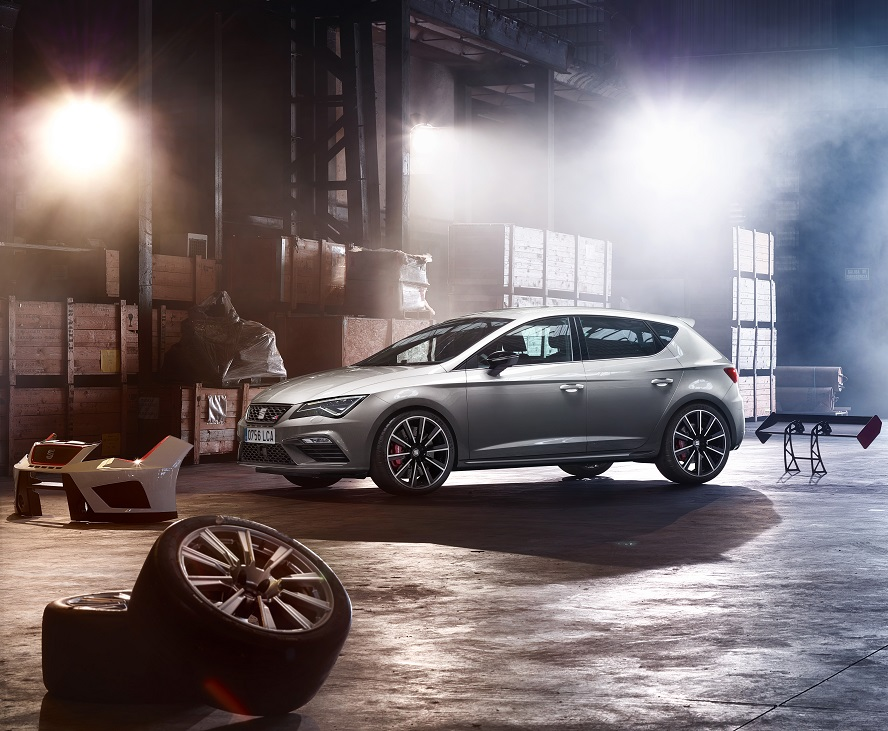 SEAT Unleashes Leon Cupra 300