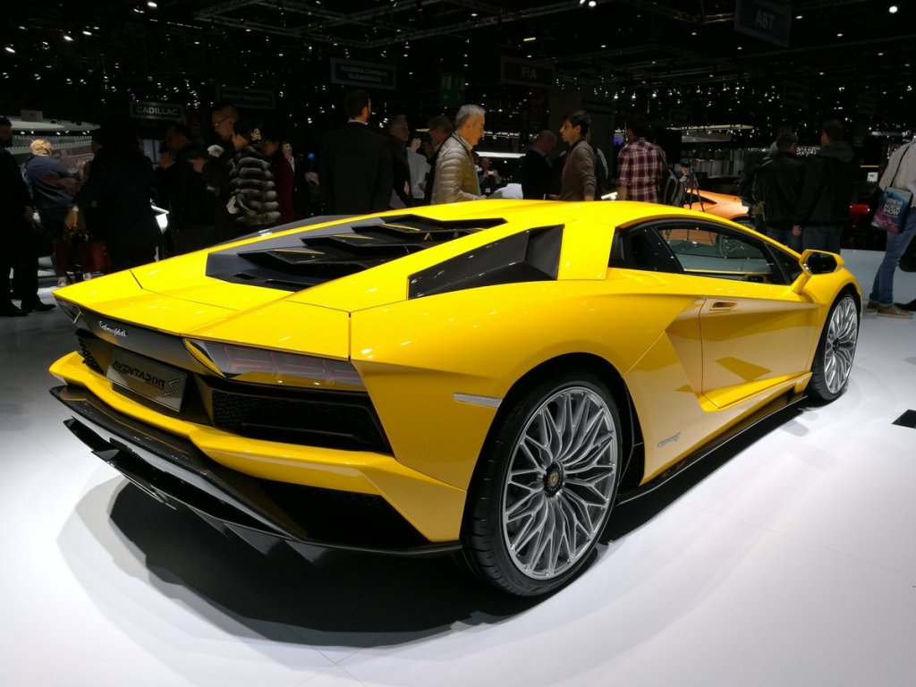Lamborghini To Showcase Aventador S At London Motor Show