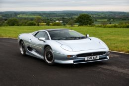 Jaguar XJ220 Royalty To Join Silver Jubilee Celebrations