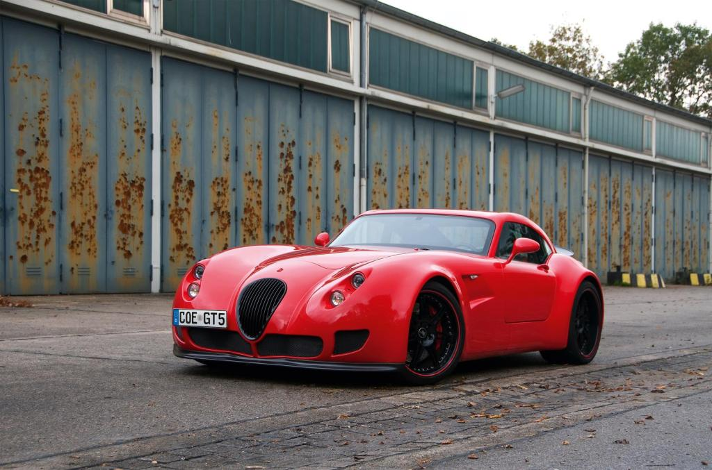 Wiesmann returns to sports car manufacturing with V8 heritage display at Salon Privé