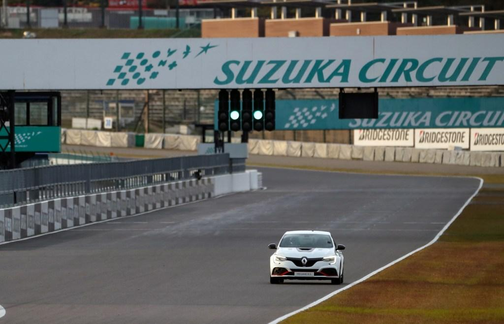 Megane R.S. Trophy-R New Record at the Suzuka Circuit