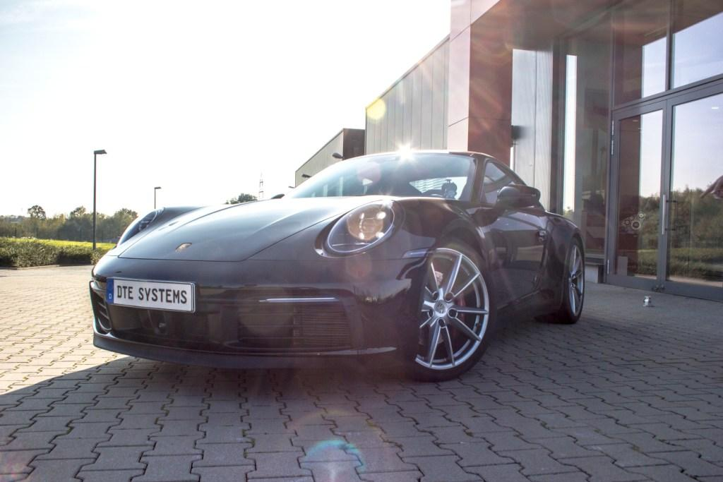 Porsche 911 by DTE Systems