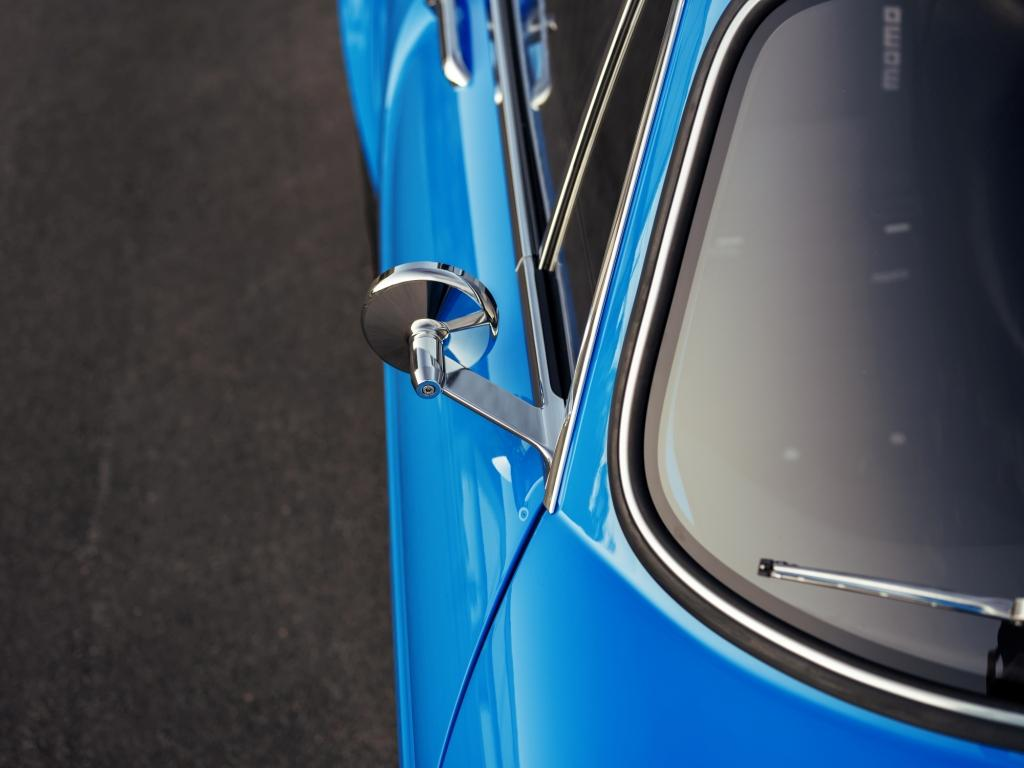 Revealing the Volvo P1800 Cyan