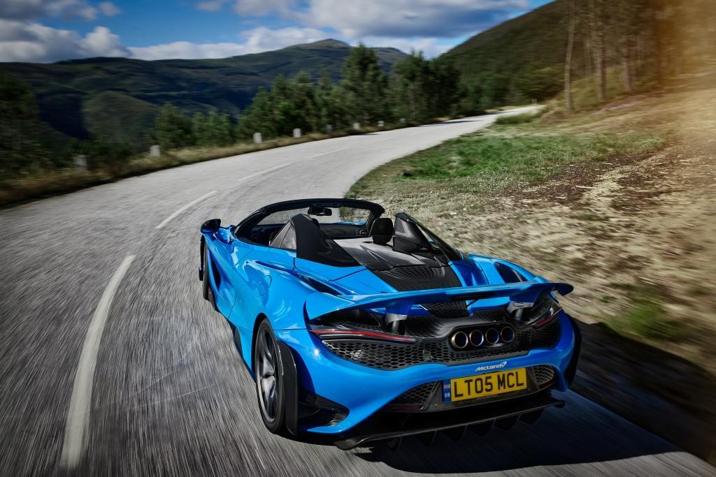 The McLaren 765LT Spider revealed