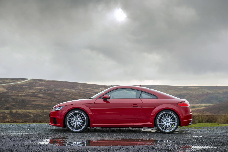 2014-Audi-TT-Coupe-Quattro-Side