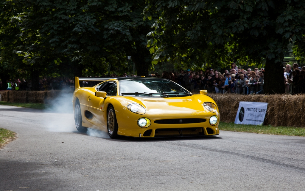 First Beaulieu Supercar Weekend Gets Off To A Racing Start