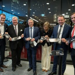 """BRABUS and Sunseeker Germany celebrate the grand opening of the exclusive joint """"KÖ90"""" flagship store"""